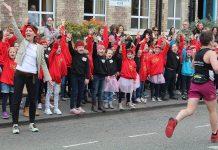 Little Belters entertain marathon runners